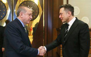 Για επενδύσεις στον κλάδο υψηλής τεχνολογίας της Τουρκίας συζήτησε ο Ερντογάν με τον ιδρυτή της Tesla, Ελον Μασκ. Αναμένεται, μάλιστα,  η υπογραφή συμφωνίας με την Airbus, στο πλαίσιο της οποίας η SpaceX θα είναι μία από τις εταιρείες υπεργολάβους.