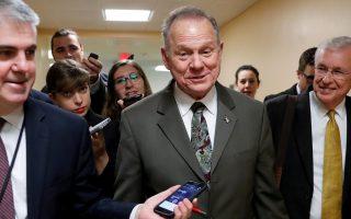 Ο Ρεπουμπλικανός υποψήφιος γερουσιαστής Ρόι Μουρ τον περασμένο μήνα στο Καπιτώλιο.