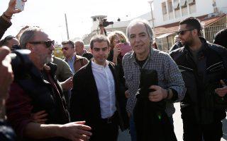 Στη σταδιακή εκτόνωση του θορύβου που προκλήθηκε από τη χορήγηση αδείας στον Κουφοντίνα ευελπιστεί η κυβερνητική ηγεσία.