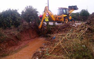 Προβλήματα προκλήθηκαν από την καταρρακτώδη βροχή και στην Αργολίδα.