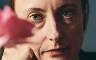 Η κλασική φιλόλογος Εμιλι Ουίλσον δίνει στον Ομηρο μια σύγχρονη φωνή.