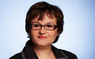 Η Ζαμπίνε Λαουτενσλέγκερ, μέλος του εκτελεστικού συμβουλίου της ΕΚΤ, τάσσεται υπέρ της προσωρινής αναστολής αναλήψεων.