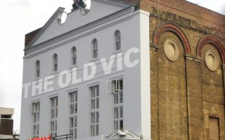 Το Old Vic του Λονδίνου, καλλιτεχνικός διευθυντής του οποίου ήταν ο Αμερικανός ηθοποιός.
