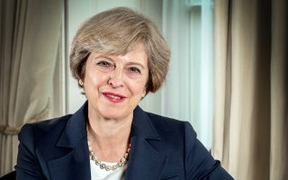 Η Βρετανίδα πρωθυπουργός θα αυξήσει την προσφορά της στα 40 δισ. στερλίνες, ποσό αντίστοιχο των 45 δισ. ευρώ, για την αποπληρωμή των υποχρεώσεων της χώρας στον κοινοτικό προϋπολογισμό.