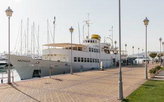 Η θαλαμηγός «Νεράιδα», η οποία έχει μετατραπεί από το 2013 σε πλωτό μουσείο και βρίσκεται μόνιμα δεμένη στη μαρίνα Φλοίσβου.