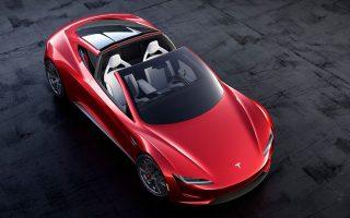 Tο νέο Roadster είναι ένα σπορ αυτοκίνητο που λειτουργεί με μπαταρίες, το οποίο επιταχύνει από 0 σε 100 χιλιόμετρα την ώρα σε λιγότερο από  2 δευτερόλεπτα. Η μαζική παραγωγή του τοποθετείται το 2020.