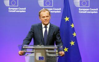 Ο πρόεδρος του Ευρωπαϊκού Συμβουλίου Ντόναλντ Τουσκ, κατά τη διάρκεια ενημέρωσης δημοσιογράφων στις Βρυξέλλες.