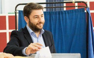 Ο υποψήφιος για την ηγεσία του νέου ενιαίου φορέα της Κεντροαριστεράς, Νίκος Ανδρουλάκης, ψήφισε στις εκλογές για τον επικεφαλής της Κεντροαριστεράς σε εκλογικό κέντρο στην περιοχή Ροδίνι, Ρόδος, Κυριακή 12 Νοεμβρίου 2017. ΑΠΕ-ΜΠΕ/ ΑΠΕ-ΜΠΕ/ ΕΛΕΥΘΕΡΙΟΣ ΔΑΜΙΑΝΙΔΗΣ