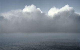 Θάλασσα. Φωτογραφία του Στράτου Καλαφάτη από το φωτογραφικό λεύκωμα «Αρχιπέλαγος», που κυκλοφορεί από τις εκδόσεις Αγρα.