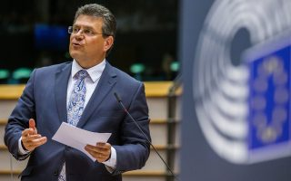 Η ενίσχυση του ανταγωνισμού στην αγορά ηλεκτρικού ρεύματος και φυσικού αερίου θα αποδώσει πλήρως τα οφέλη στους καταναλωτές, λέει στην «Κ» ο αντιπρόεδρος της Ε.Ε. και επίτροπος Ενέργειας Μάρος Σέφκοβιτς.