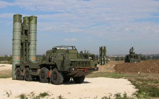 This handout picture obtained from the Russian Defence Ministry's official Facebook page on November 26, 2015 shows Russia's S-400 air defence missile systems at the Hmeimim airbase in the Syrian province of Latakia. Russia has deployed its advanced S-400 air defence system in Syria, the Russian defence ministry said on November 26, with the weapons to be used to cover the area around its airbase in coastal Latakia. AFP PHOTO / RUSSIAN DEFENCE MINISTRY
