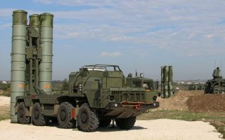 This handout picture obtained from the Russian Defence Ministry's official Facebook page on November 26, 2015 shows Russia's S-400 air defence missile systems at the Hmeimim airbase in the Syrian province of Latakia. Russia has deployed its advanced S-400 air defence system in Syria, the Russian defence ministry said on November 26, with the weapons to be used to cover the area around its airbase in coastal Latakia. AFP PHOTO / RUSSIAN DEFENCE MINISTRYRESTRICTED TO EDITORIAL USE - MANDATORY CREDIT