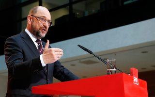 Την απόφαση του κόμματός του να προχωρήσει σε συνομιλίες με το CDU της κ. Μέρκελ ανακοίνωσε χθες ο Μάρτιν Σουλτς.