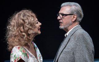«Ποιος φοβάται τη Βιρτζίνια Γουλφ;» σε σκηνοθεσία Γ. Κιμούλη, στο θέατρο «Μεταξουργείο».