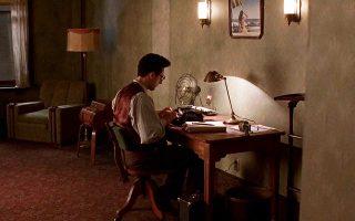 Ενας συγγραφέας προσπαθεί να πετύχει στο Λος Αντζελες της δεκαετίας του '30 στο μυθιστόρημα του Φάντε. Στη φωτογραφία, σκηνή από την ταινία «Μπάρτον Φινκ», με τον Τζον Τορτούρο στον ρόλο ενός αντίστοιχου συγγραφέα.