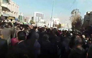 iran-oi-ipa-katadikazoyn-sthenara-tis-syllipseis-eirinikon-diadiloton-stin-islamiki-dimokratia0