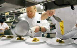 Ο σελέμπριτι σεφ, προ σκανδάλου, σε ένα από τα εστιατόριά του.
