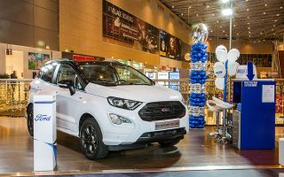 to-neo-ford-ecosport-sto-the-mall-athens0