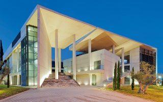 i-lamia-echei-ena-dimosio-paradeigma-architektonikis-2221563