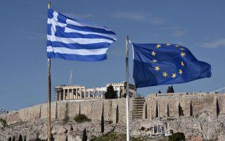 Στην Ελλάδα το κράτος έχει γίνει επιχείρηση. Είναι ο μεγαλύτερος εργοδότης. Αναλαμβάνει να κάνει ό,τι δουλειά μπορεί να φανταστεί κανείς, από διαχείριση νοσοκομείων και τηλεοπτικών καναλιών μέχρι παραγωγή ενέργειας.