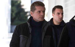 Την έκδοση στις ΗΠΑ του Αλεξάντερ Βίνικ (αριστερά), γνωστού ως «Mr Bitcoin», αποφάσισε ο Αρειος Πάγος. Με δεδομένο ότι υπάρχει απόφαση για έκδοσή του και στη Ρωσία, η διαδικασία περνάει πλέον στα χέρια του υπουργού Δικαιοσύνης Σταύρου Κοντονή. Ρωσική διπλωματική πηγή δήλωσε στο πρακτορείο RIA Novosti ότι η ρωσική πρεσβεία στην Ελλάδα θα πράξει ό,τι είναι αναγκαίο για να υπερασπίσει τα νόμιμα δικαιώματα του Βίνικ.