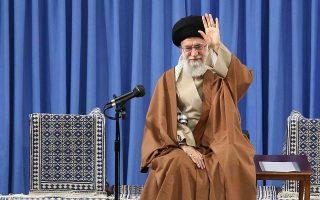 Επικρίσεις προς τις ΗΠΑ εκτόξευσε χθες ο θρησκευτικός ηγέτης του Ιράν αγιατολάχ Αλί Χαμενεΐ.