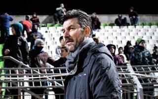 Ο Ουζουνίδης δεν σκέφτεται το ενδεχόμενο παραίτησης, αν και το βράδυ της Κυριακής αντέδρασε πολύ έντονα μετά την ήττα από τον Λεβαδειακό με 3-2.
