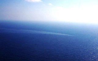 H μία πετρελαιοκηλίδα καλύπτει επιφάνεια 69 τετραγωνικών χιλιομέτρων, ενώ η δεύτερη 40 τετραγωνικά χιλιόμετρα.
