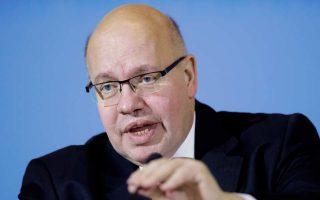 Ο υπηρεσιακός Γερμανός ΥΠΟΙΚ, Πέτερ Αλτμάγερ, δήλωσε χθες από το Βερολίνο πως η γερμανική κυβέρνηση θέλει σαφήνεια για τον τρόπο με τον οποίο θα μοιράζονται τα κράτη-μέλη το ρίσκο που απορρέει από την ασφάλιση τραπεζικών καταθέσεων ύψους μέχρι 100.000 ευρώ.