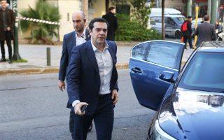 Ο Αλ. Τσίπρας, προσερχόμενος στη συνεδρίαση της Πολιτικής Γραμματείας του ΣΥΡΙΖΑ.