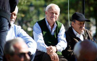 Οι απώλειες που υπέστησαν οι συνταξιούχοι κατά τη διάρκεια των μνημονίων έφθασαν, σύμφωνα με τις εκτιμήσεις του Ενιαίου Δικτύου Συνταξιούχων, στα 62 δισ. ευρώ.