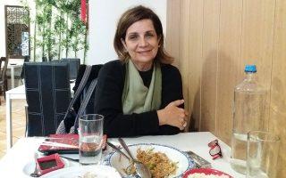 «Μπορείς να διαβάσεις την ιστορία της Ελλάδας μέσα από τα 280 έργα στη Λεβέντειο Πινακοθήκη», λέει η Εβίτα Αράπογλου.