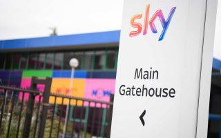 Ο όμιλος Sky ελέγχει το ειδησεογραφικό κανάλι Sky News, τις εφημερίδες The Times και Sunday Times, αλλά και τον παγκόσμιας εμβέλειας αθλητικό ραδιοφωνικό σταθμό Talksport. Επίσης, δραστηριοποιείται στη Γερμανία και την Ιταλία.