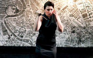 Η Τσέλια Κοστέα ερμηνεύει Τόσκα στη Λυρική Σκηνή.