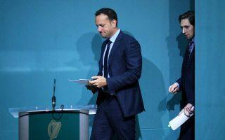 Ο πρωθυπουργός και ο υπουργός Υγείας της Ιρλανδίας ανακοινώνουν το δημοψήφισμα του Μαΐου.