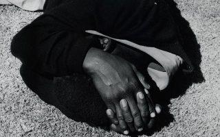 «Man sleeping», Γιοχάνεσμπουργκ 1975, Ντέιβιντ Γκόλντμπλατ.