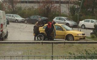 Το κόστος για το ταξί προσεγγίζει τα 300 ευρώ τον μήνα για τους γονείς του Βιατσισλάβ.