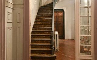 Στην οδό Καπλανών 11, στη Νεάπολη, το αρχοντικό του 1891 έγινε ένα εφήμερο αξιοθέατο.