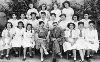 Η Ε΄ Γυμνασίου του Αχιλλοπουλείου Παρθεναγωγείου Καΐρου, τη σχολική χρονιά 1946-47, ήταν η τάξη που ίδρυσε το περιοδικό «Κόριννα».