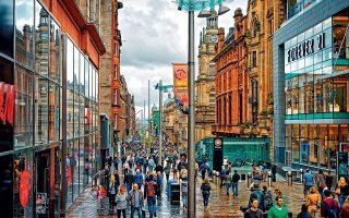 H οδός Buchanan, ένας από τους πιο κεντρικούς εμπορικούς δρόμους της Γλασκώβης. (Φωτογραφία: © Getty Images/Ideal Image)