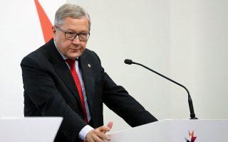 «Στον ESM είμαστε προετοιμασμένοι να συνεισφέρουμε στο μαξιλάρι ρευστότητας με σημαντικό τρόπο στην επόμενη εκταμίευση», τονίζει ο επικεφαλής του Ευρωπαϊκού Μηχανισμού Στήριξης, Κλάους Ρέγκλινγκ.