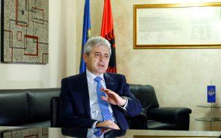 Ο όρος «Μακεδονία» στο όνομα της χώρας μας δεν απειλεί την εδαφική ακεραιότητα και την κυριαρχία της Ελλάδας, λέει ο Αλί Αχμέτι.