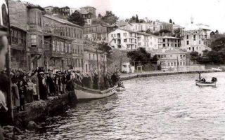 Θεοφάνια στη νήσο Αντιγόνη το 1954, όταν ακόμα γινόταν η εορτή.