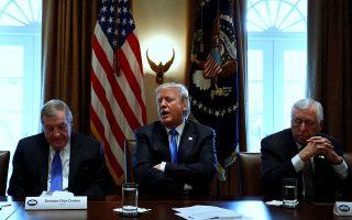 Ο Ντόναλντ Τραμπ έμοιαζε τις τελευταίες ημέρες, σύμφωνα με τους New York Times, αποφασισμένος να αποδείξει ότι μπορεί να διαχειριστεί την προεδρία.
