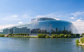 Ευρωπαϊκό Κοινοβούλιο, κτίριο Louise Weiss – προς τιμήν της Γαλλίδας συγγραφέως, δημοσιογράφου και πολιτικού (1893-1983).
