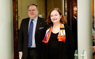 Στο υπουργείο Εξωτερικών συναντήθηκαν η Ναταλί Λουαζό και ο Γιώργος Κατρούγκαλος.
