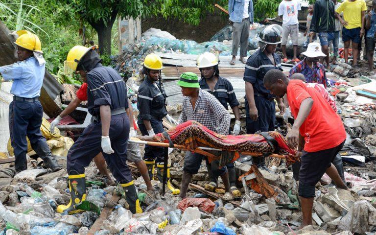 Πολύνεκρη τραγωδία στη Μοζαμβίκη – Κατολίσθηση απορριμμάτων «έθαψε» σπίτια σε χωματερή