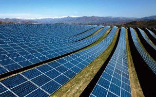 Φωτοβολταϊκό πάρκο στη νότια Γαλλία. Η εγκατεστημένη ισχύς φωτοβολταϊκών σε όλο τον κόσμο αυξάνεται ραγδαία.