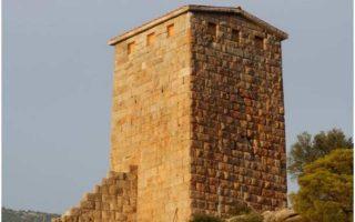 Ενα από τα σημαντικότερα οχυρωματικά σύνολα της Αττικής του 4ου αι. π.Χ. είναι ο νοτιοανατολικός πύργος, ύψους 18 μέτρων.