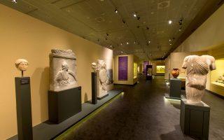 Αποψη αίθουσας στο Διαχρονικό Μουσείο Λάρισας, ένα από τα άρτια νέα μουσεία που διερευνούν τη σχέση με το παρελθόν.